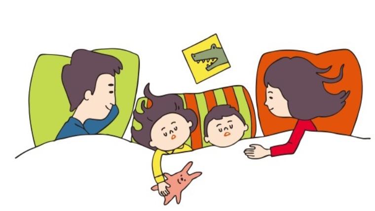 一緒に寝る親子のイラスト
